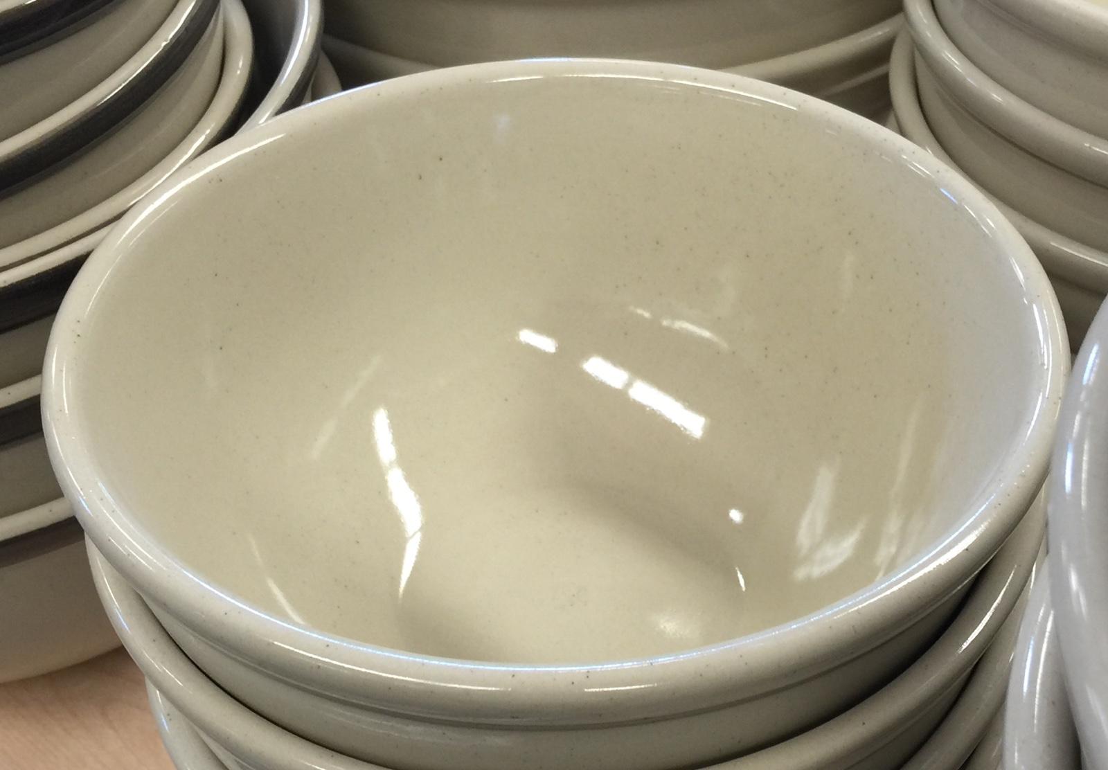 Surface treatment affects glaze speck development in jiggered stoneware