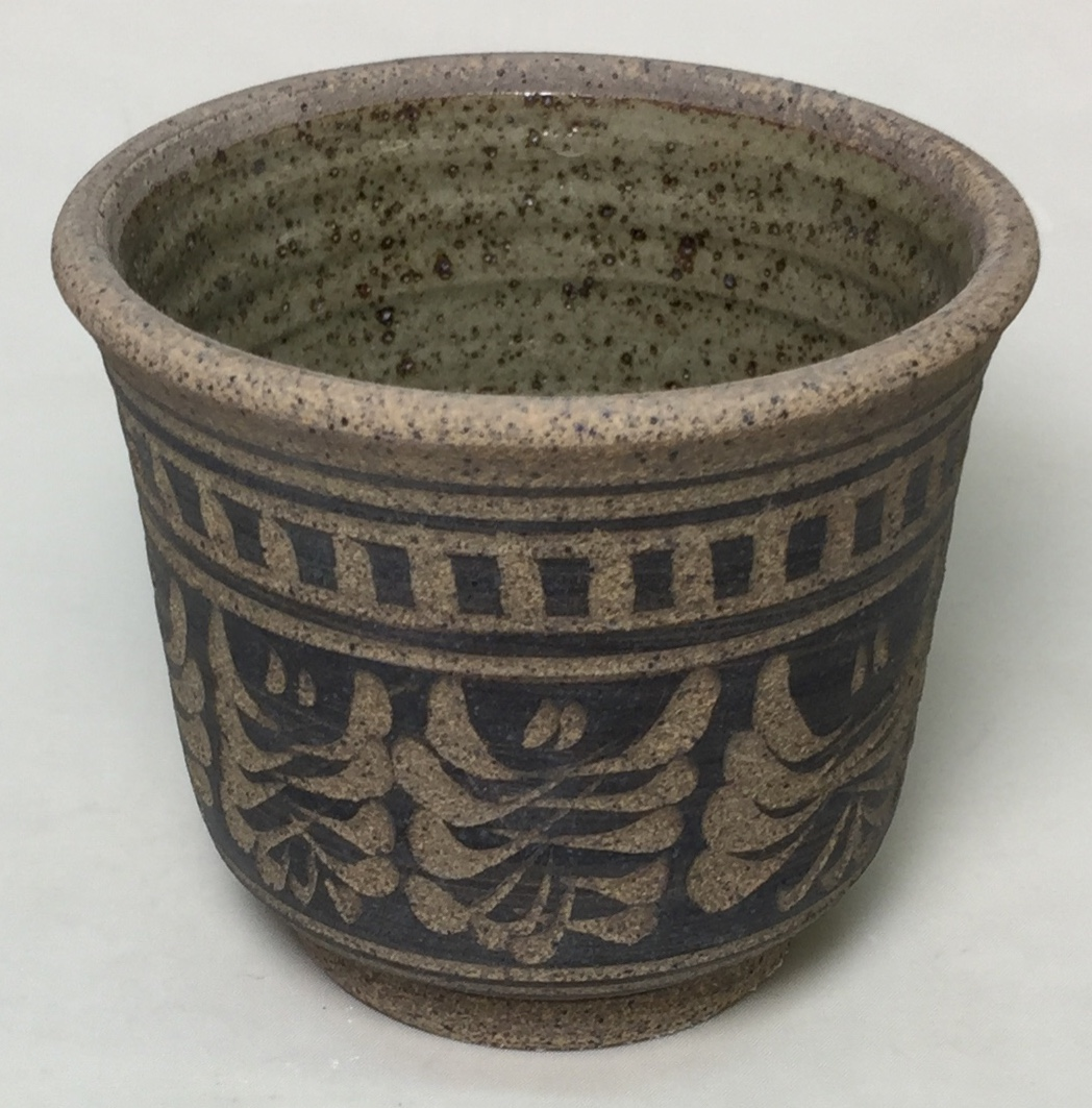 Small incised Plainsman H443 bowl