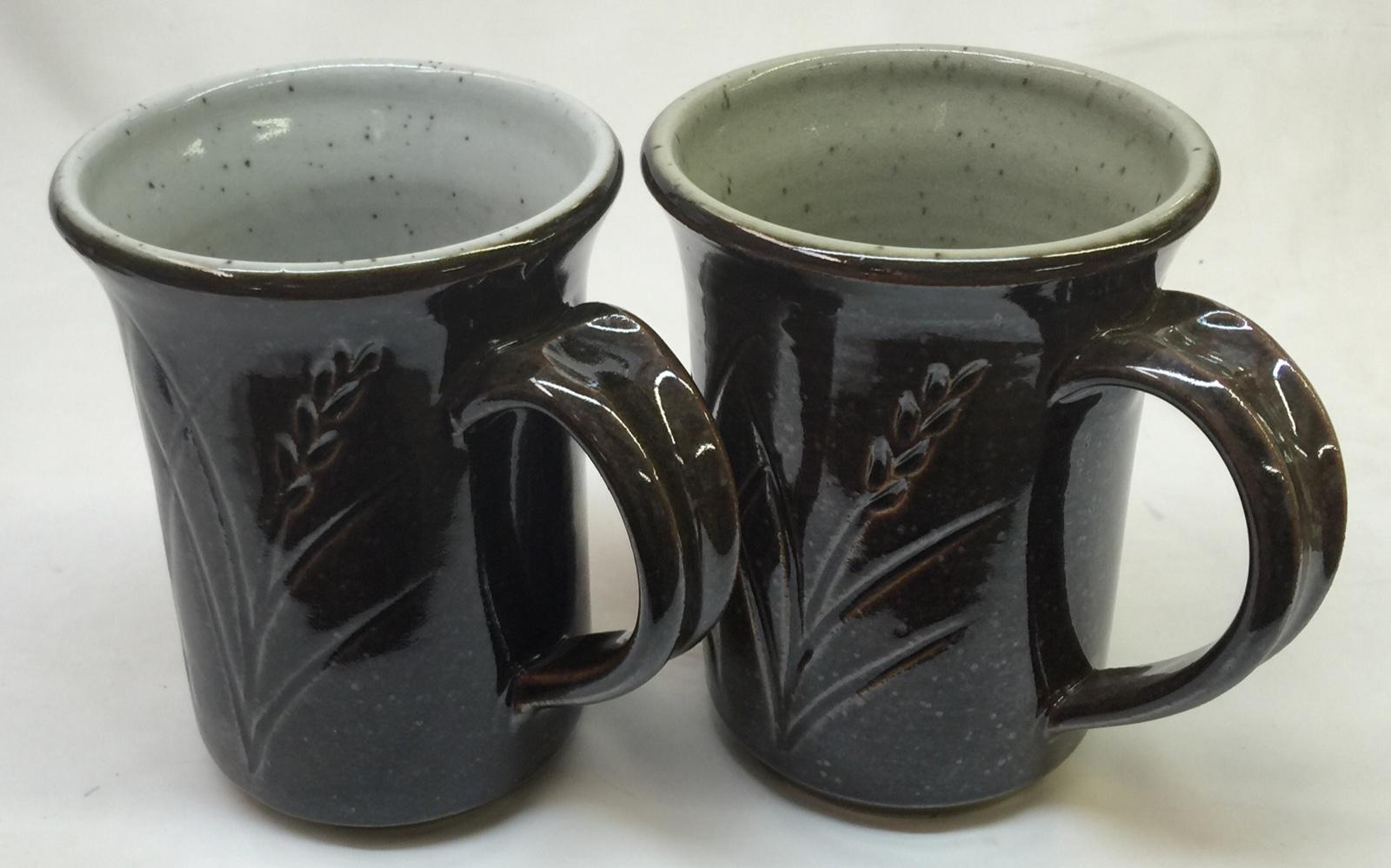 Sterile white vs. pure Ravenscrag Slip as a liner glaze at cone 10R