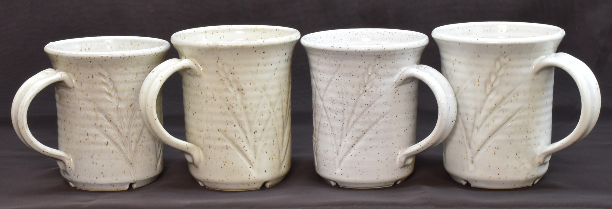 Emulating a speckled reduction fired stoneware in oxidation