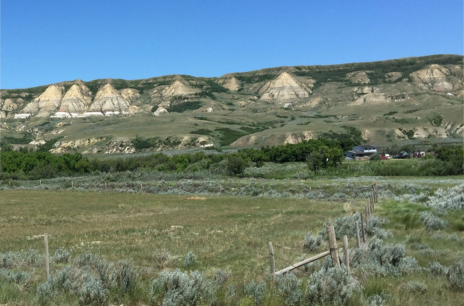 Clay and dinosaur country in southern Saskatchewan