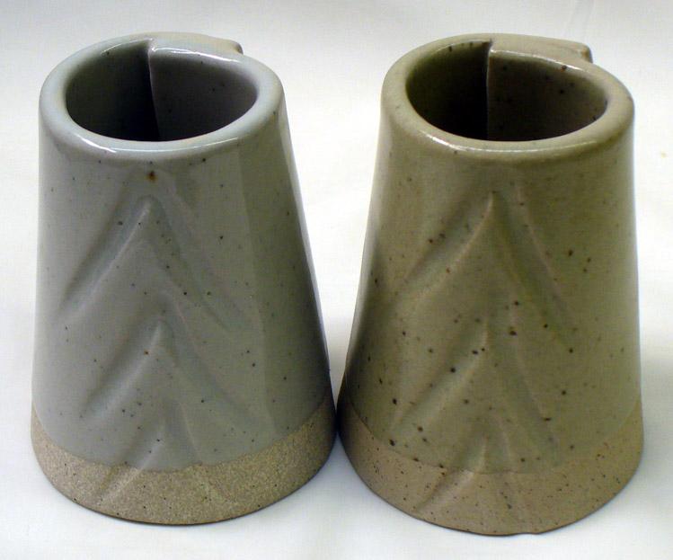 G1947U transparent glaze (left) vs. Ravenscrag Slip at cone 10R