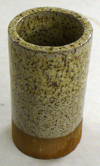 Cone 6 glaze speckling mechanism