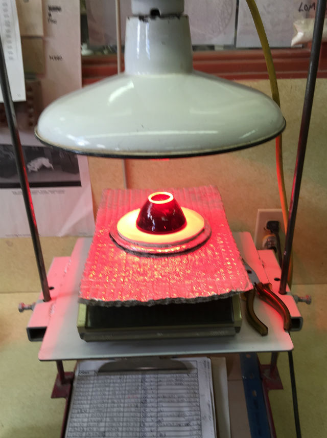 DFAC disk under a heatlamp